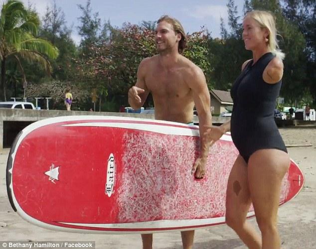 Surfista grávida e com braço amputado te vai deixar com vergonha de ter sempre desculpas - image 3