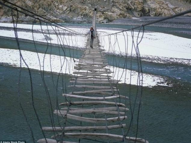 4 das pontes mais perigosas do mundo! - image 3