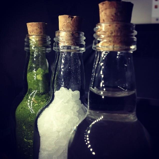 Ideias charmosas para reciclares  garrafas de vidro que nem imaginavas! - image 4