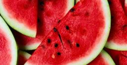8 frutas ricas em quantidade de água